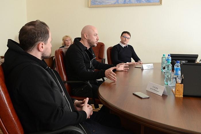 Кировские квнщики собирают свою региональную Лигу