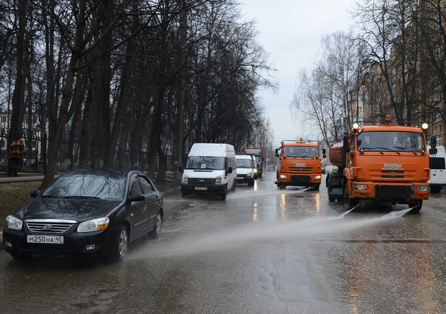 На кировских дорогах начнется влажная уборка