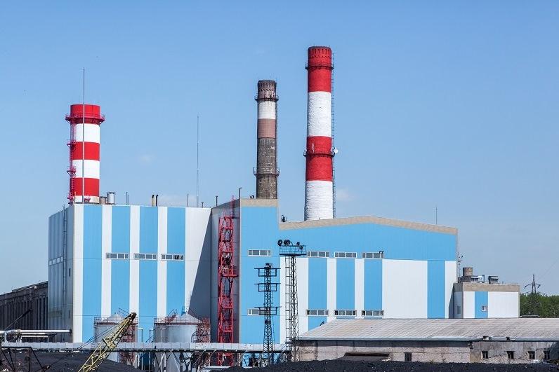 Дымовую трубу №2 на Кировской ТЭЦ-3 демонтируют