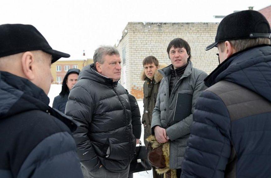 Губернатор провел прямую линию и вновь пообещал нолинчанам новую школу