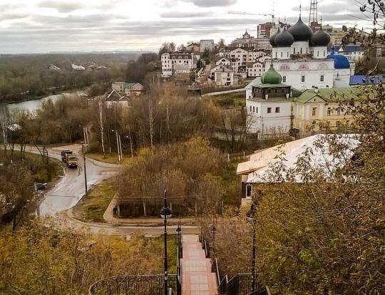 Главу администрации города Кирова возмутила постройка у Трифонова монастыря