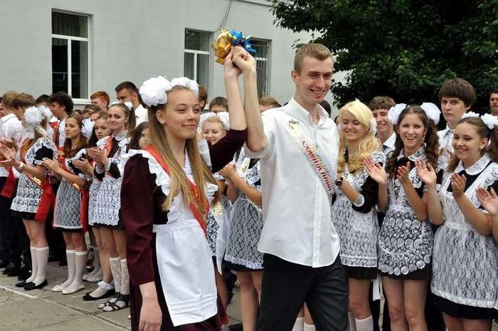 В этом году кировские школы выпустят 17 тысяч старшеклассников