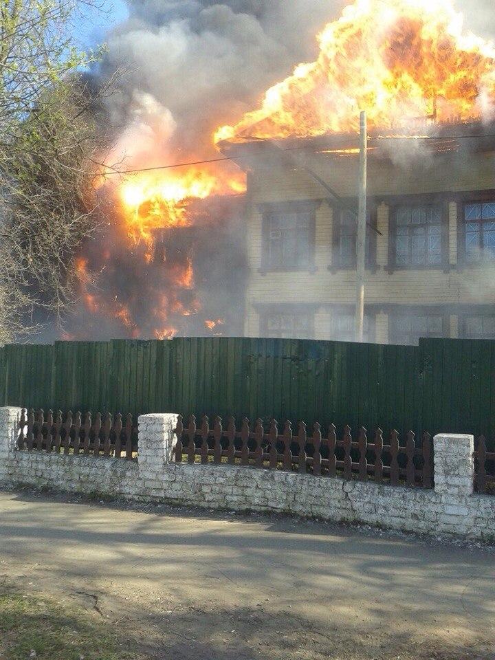 В центре Кирова сильный пожар