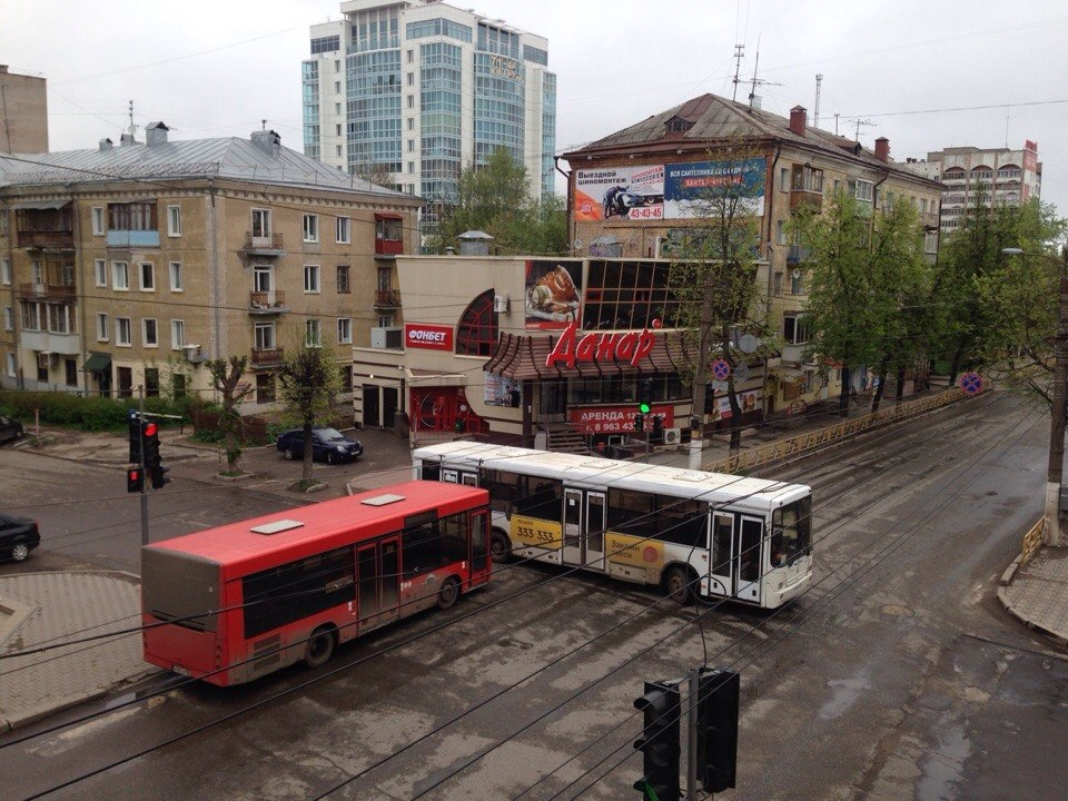 Центр Кирова перекрыли автобусами