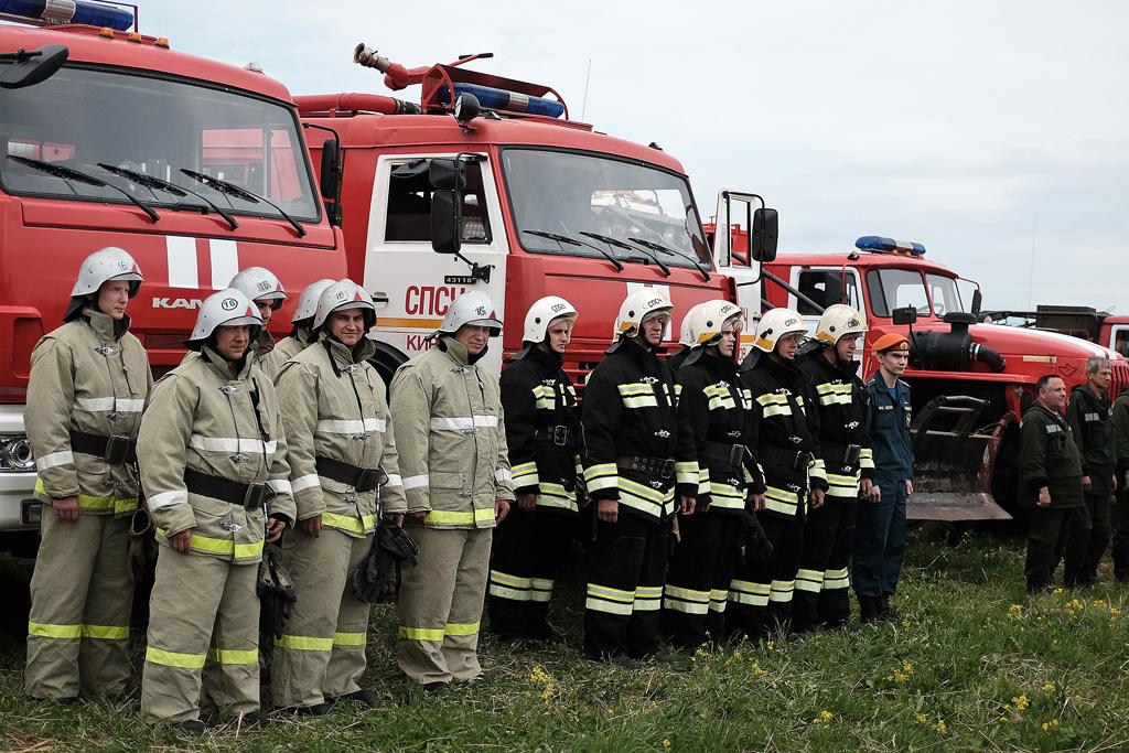 86 человек со всей Кировской области тушили лесной пожар