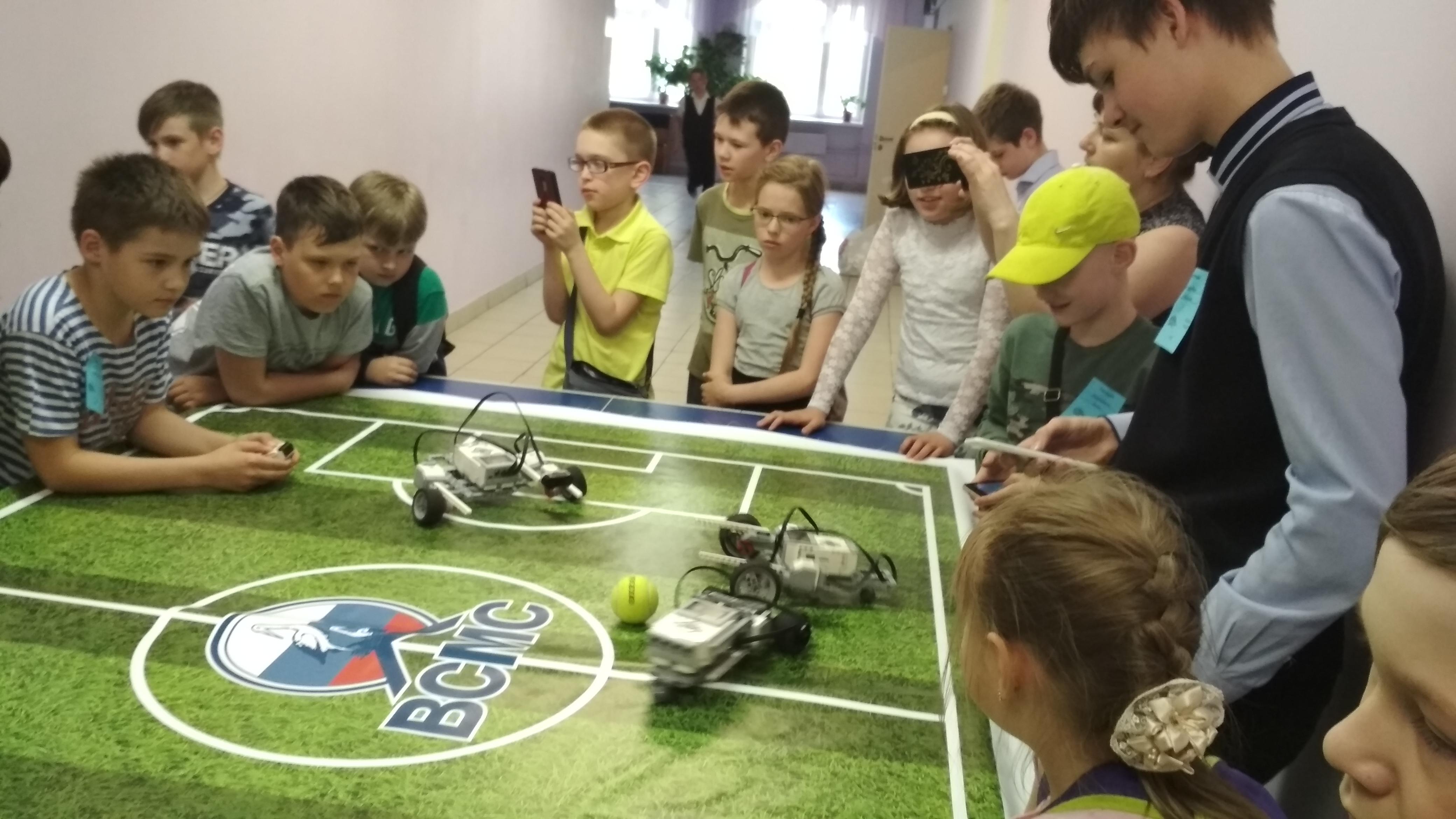 В Кирово-Чепецке прошел турнир по робофутболу