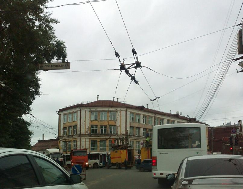 В Кирове на месяц ограничат движение в районе улиц Карла Маркса и Профсоюзной