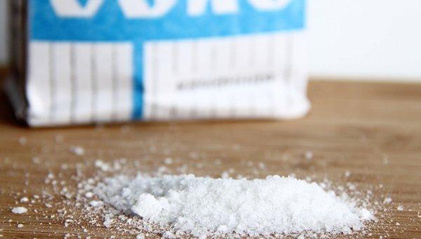 Покупая сигареты, кировчанка съела полпуда соли