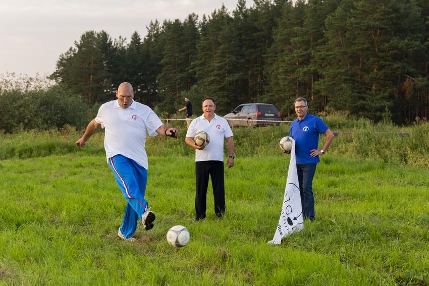 На Гринландии играли в футгольф