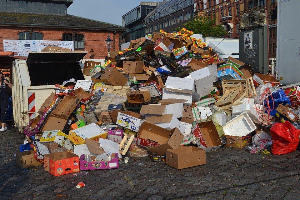 Магазины федеральных сетей в Кирове будут платить миллионы за неубранный мусор