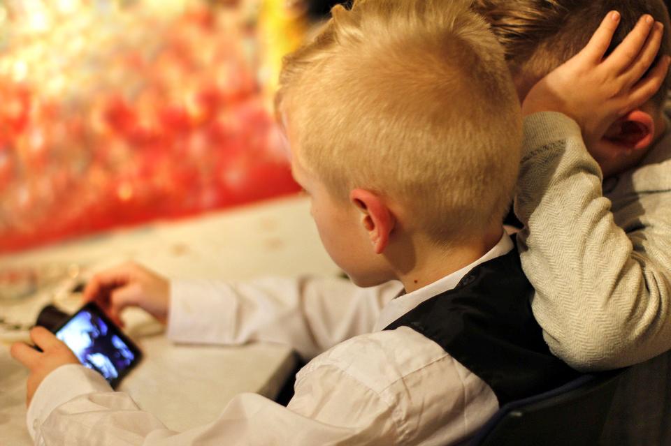 В Кировской области у детей-сирот появятся мобильные наставники