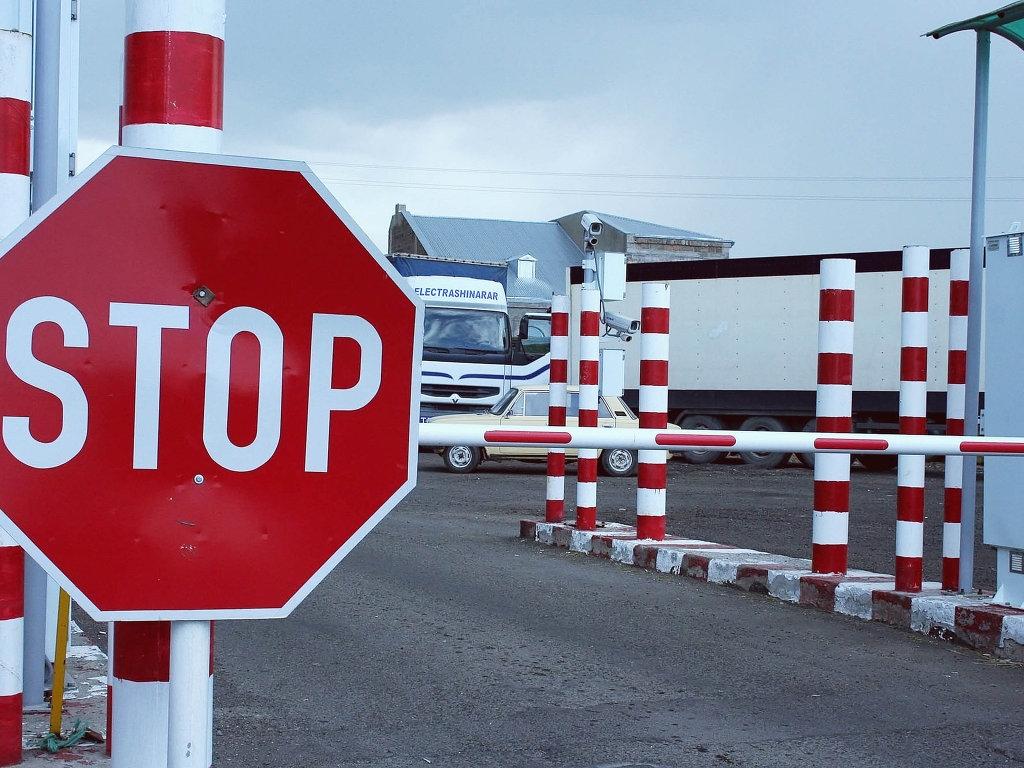 Почти 250 кировчан – должников сняли с себя «Запрет на выезд»