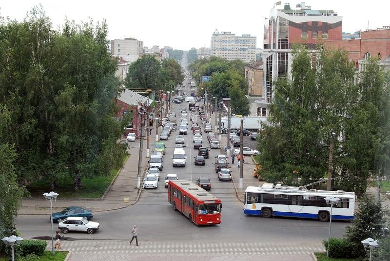 В Кирове прошли контрольные рейды по техническому состоянию автобусов