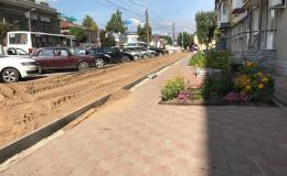 Кривая дорожка. Как в Кирове мостят тротуары?
