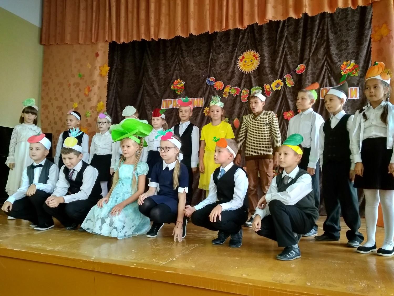Школьники из села Кстинино отметили День урожая