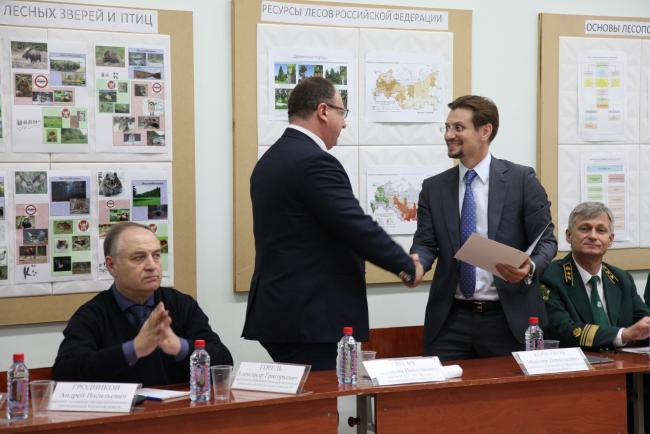 Ректору ВятГУ Валентину Пугачу объявлена благодарность губернатора Кировской области Игоря Васильева