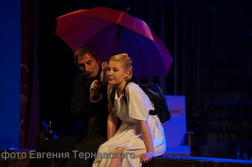 Неевклидова драматургия МакДонаха: третий фестиваль на экваторе
