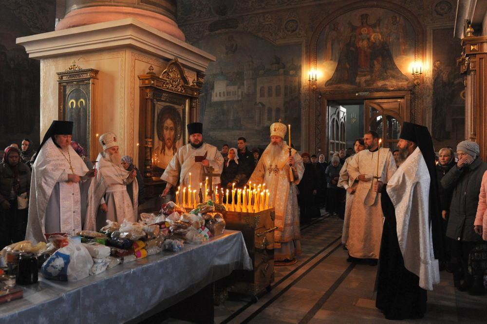 В Кирове празднуют Покровскую родительскую субботу