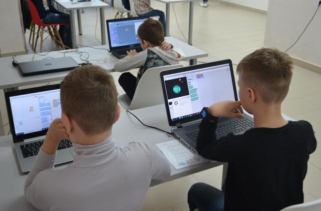 «Ростелеком» поддержал юных программистов