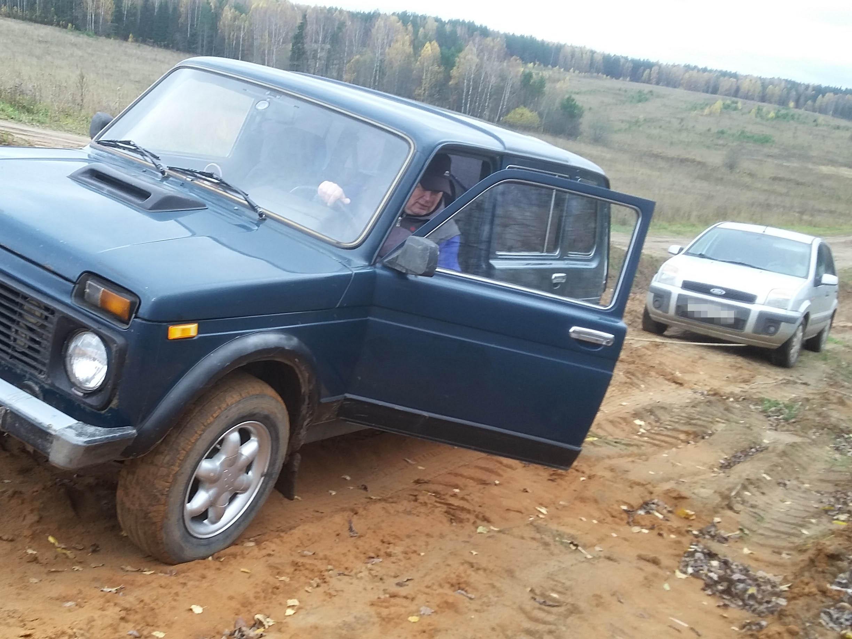 В Кировской области «забыли» отремонтировать дорогу, на которую с жителей собрали четверть миллиона рублей