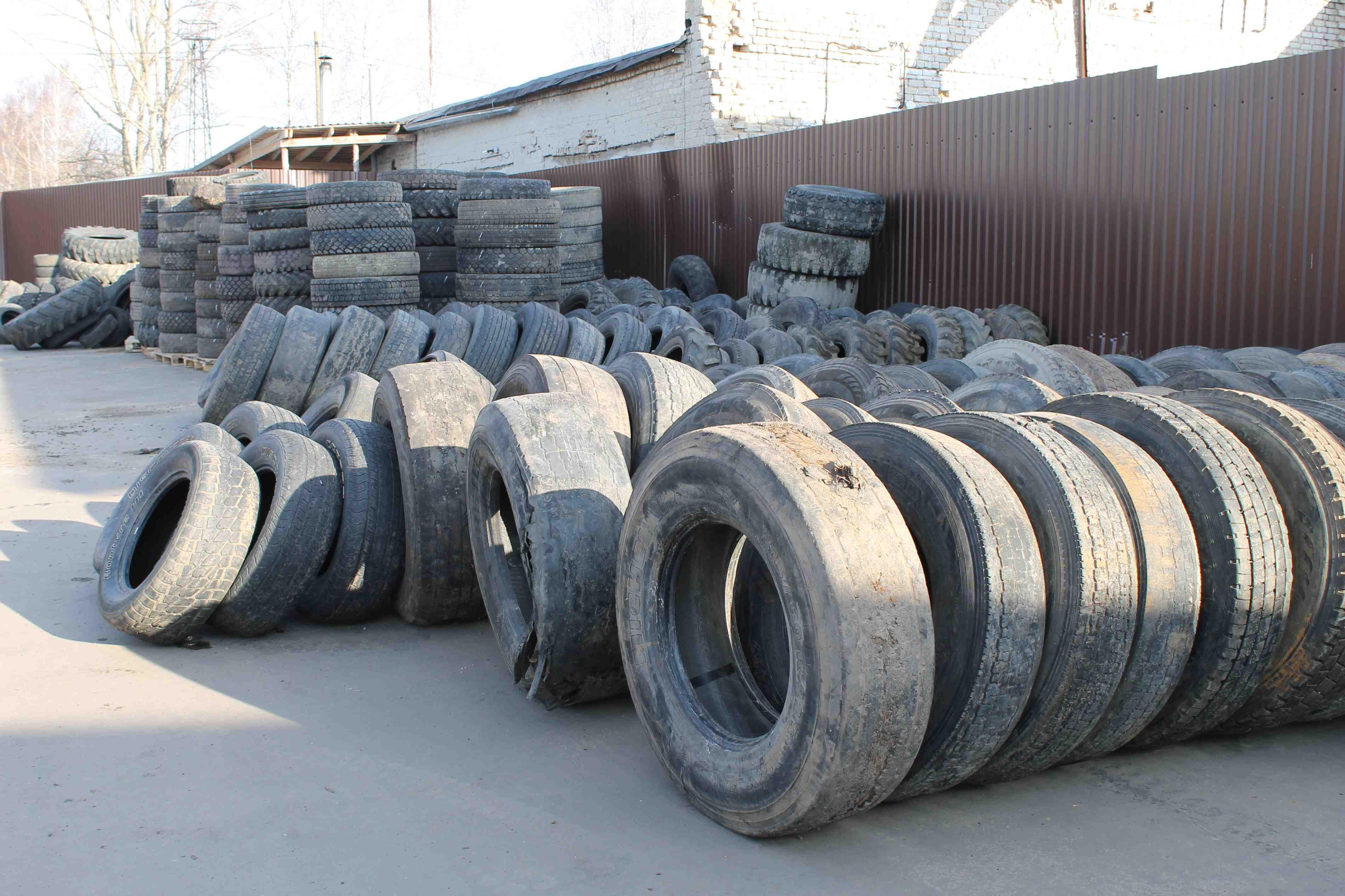За 3 дня шины на утилизацию сдали более 100 кировчан