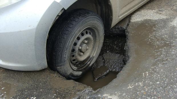 Ямочный ремонт в Кирове продолжается