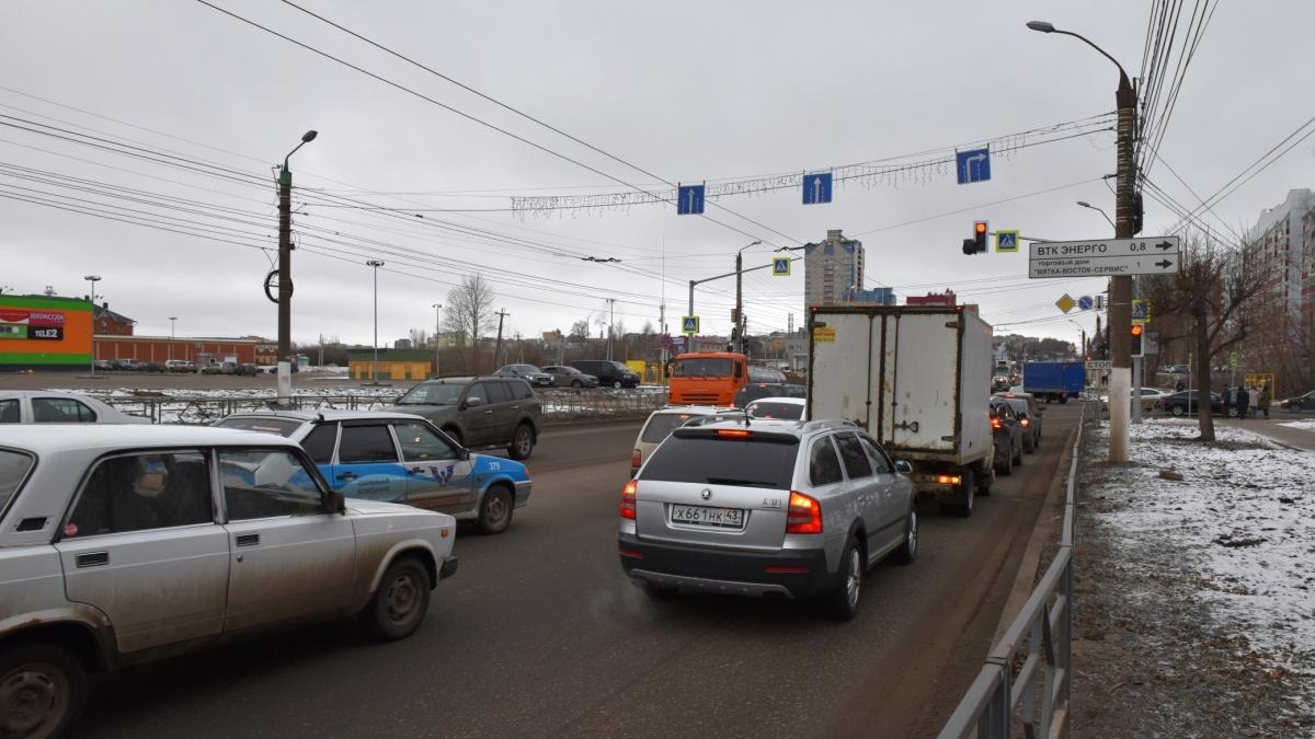 Поворот налево к магазину «Макси» с улицы Московской запрещен