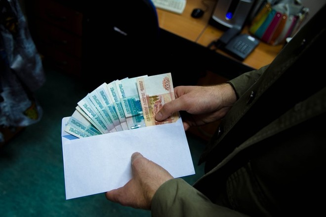 Бизнесмен из Кировской области пытался дать взятку за песок