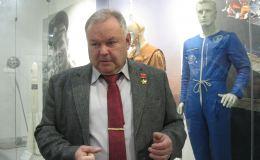 Александр Лавейкин