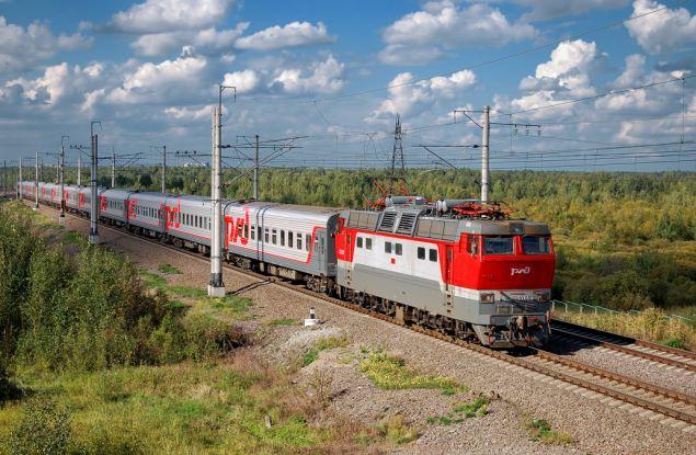 Кировские пассажиры все чаще отправляются в длительные поездки по России