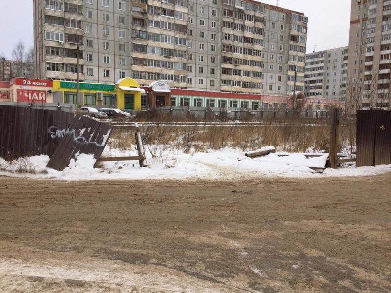 Недостроенный дом на Юровской представляет опасность для кировчан