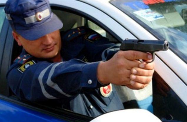 Погоня на дороге в Кирове закончилась выстрелами