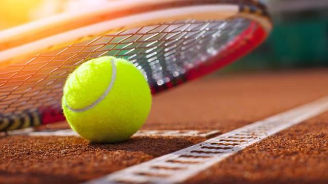 Очень большой теннис для маленьких кировских спортсменов