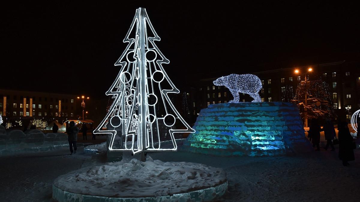 """Новый год на """"Театралке"""" продержится до весенних оттепелей"""