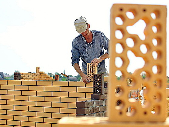 За 5 лет в Кировской области планируют расселить 360 аварийных домов