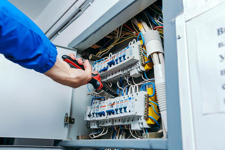 Более шести тысяч должников в Кировской области остались без электричества