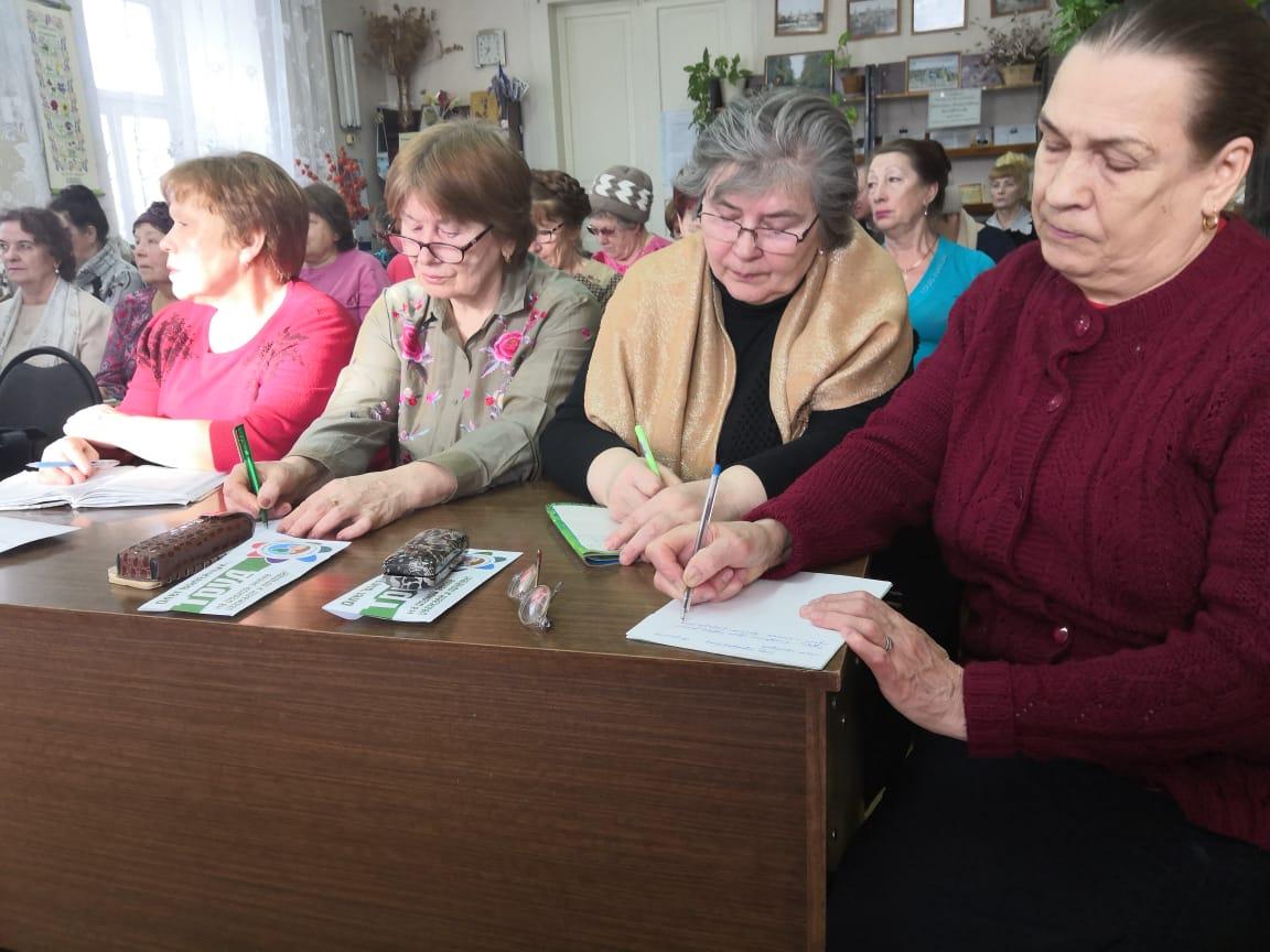 Школа садоводов Олега Валенчука побывала в Орлове