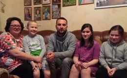 Денис Елшин: Жизнь начинается с семьи