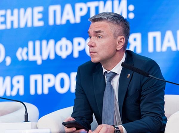 Евгений Ревенко: Законопроект о «22-й кнопке» позволит поддержать местные телеканалы