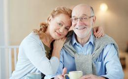 Старшему поколению – только лучшее! Какие подарки предлагают банки?