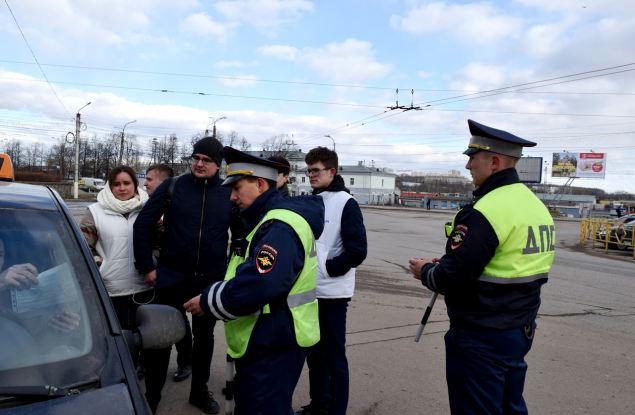 Таксистов проверили на законность перевозок