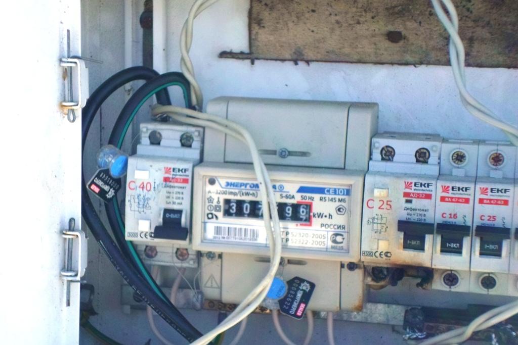 Жительницу Безбожника уличили в самовольном использовании электроэнергии