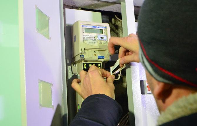 Должник – «рецидивист» из Нолинска поплатился за самовольное подключение к электросетям