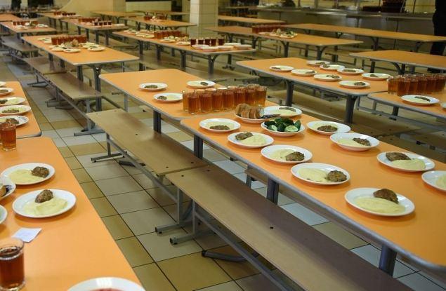 Школы Кирова по-разному организуют питание учеников