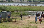 Городской пляж готовится открывать сезон