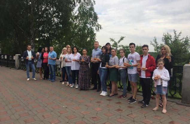 Кировские единороссы приняли участие в акции «Свеча памяти»