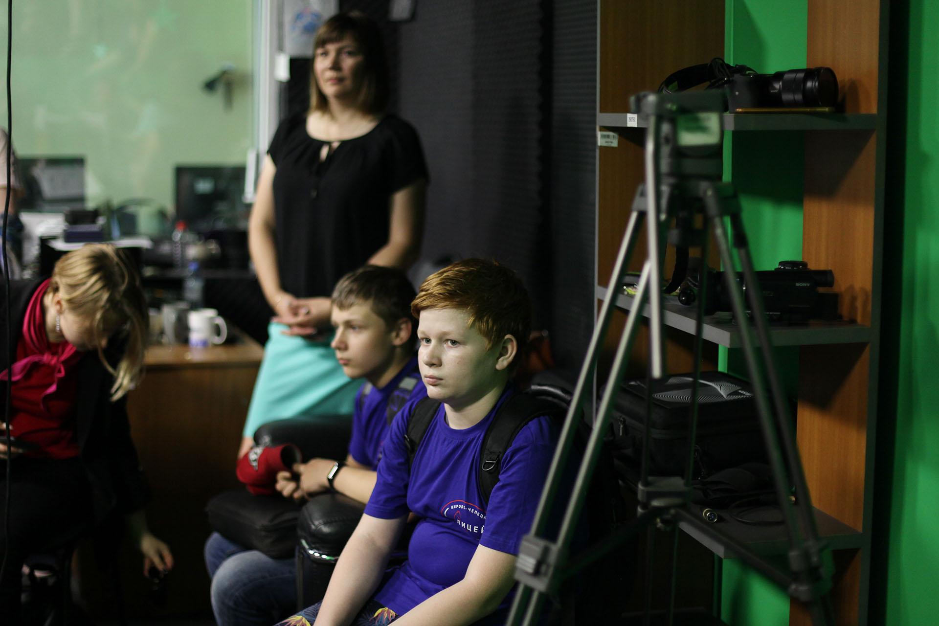 В журналистику идут взрослые дети