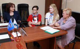 Юные кировчане пришли на прием к Олегу Валенчуку