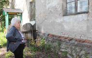 В Кирове семье пенсионеров не дают выехать из опасного для жизни дома