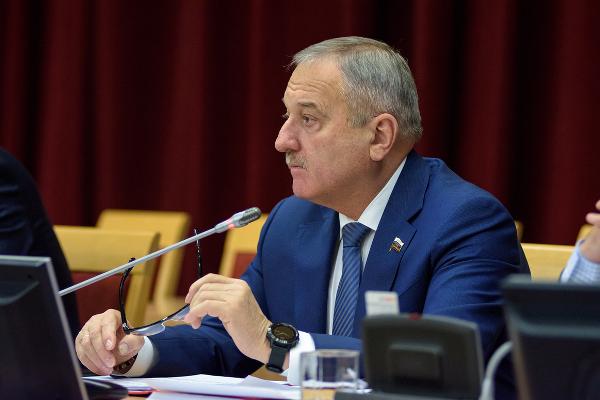 Владимир Быков прокомментировал уход части депутатов с пленарного заседания Законодательного собрания